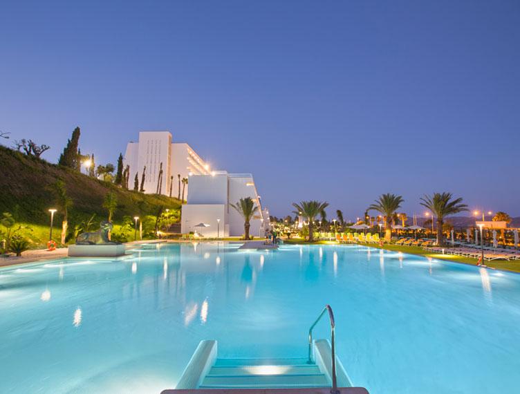 blog-piscina-grand-luxor-allsuites-hotel