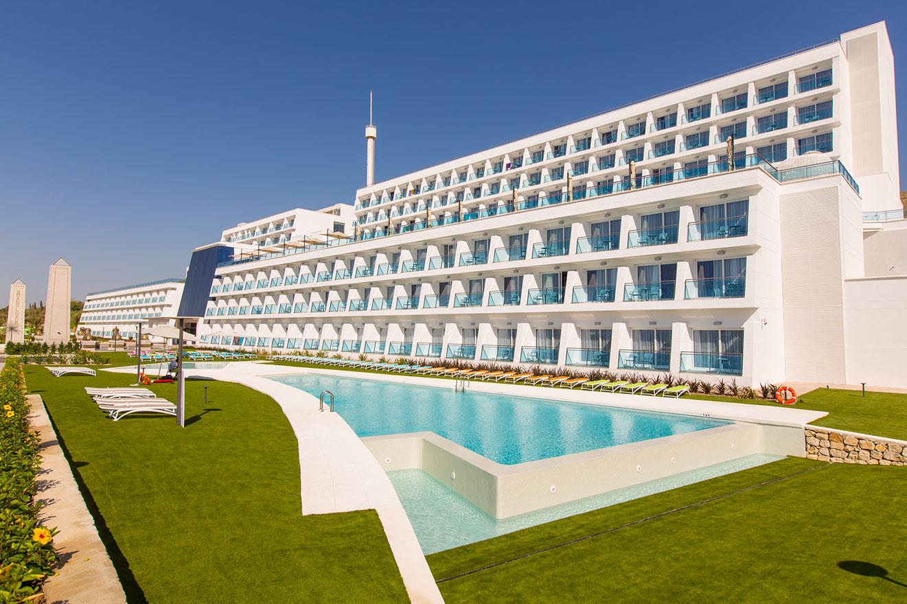 galeria-piscinas-grand-luxor-hotel-4