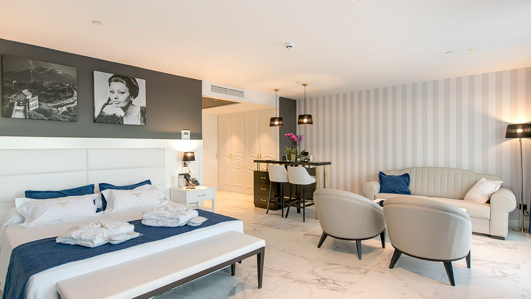 grand-luxor-all-suites-premium-vista-interior