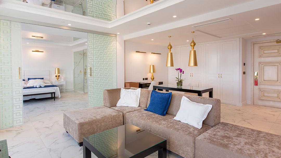 grand-luxor-all-suites-presidencial-vista-comedor