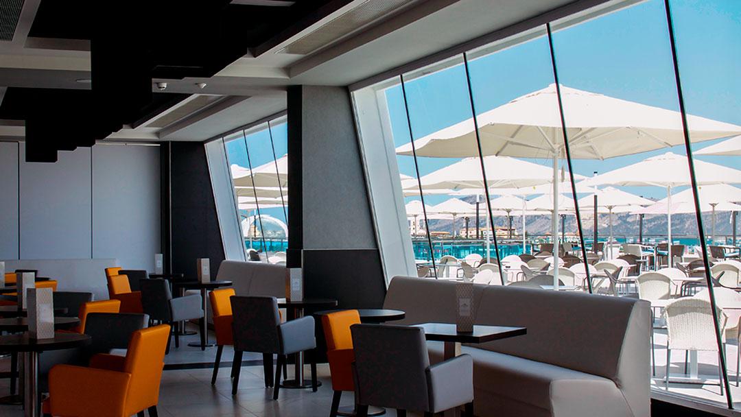 grand-luxor-hotel-bar-vista-terraza
