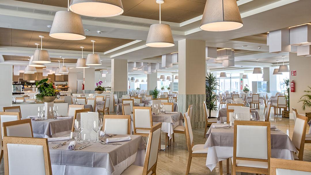 grand-luxor-hotel-restaurante-bufet-comedor
