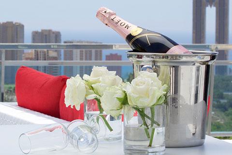 botella-moet-terraza-grand-luxor