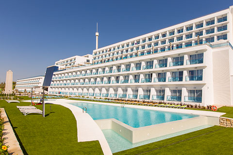 piscina-grand-luxor-hotel-benidorm