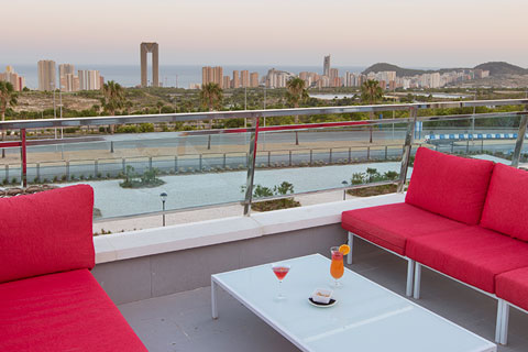 terraza-exterior-grand-luxor-hotel-vista-benidorm