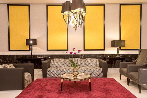 recepcion-all-suites-sofa-grand-luxor-hotel