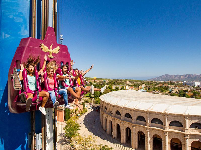 Grand Luxor Hotel + Parques Temáticos
